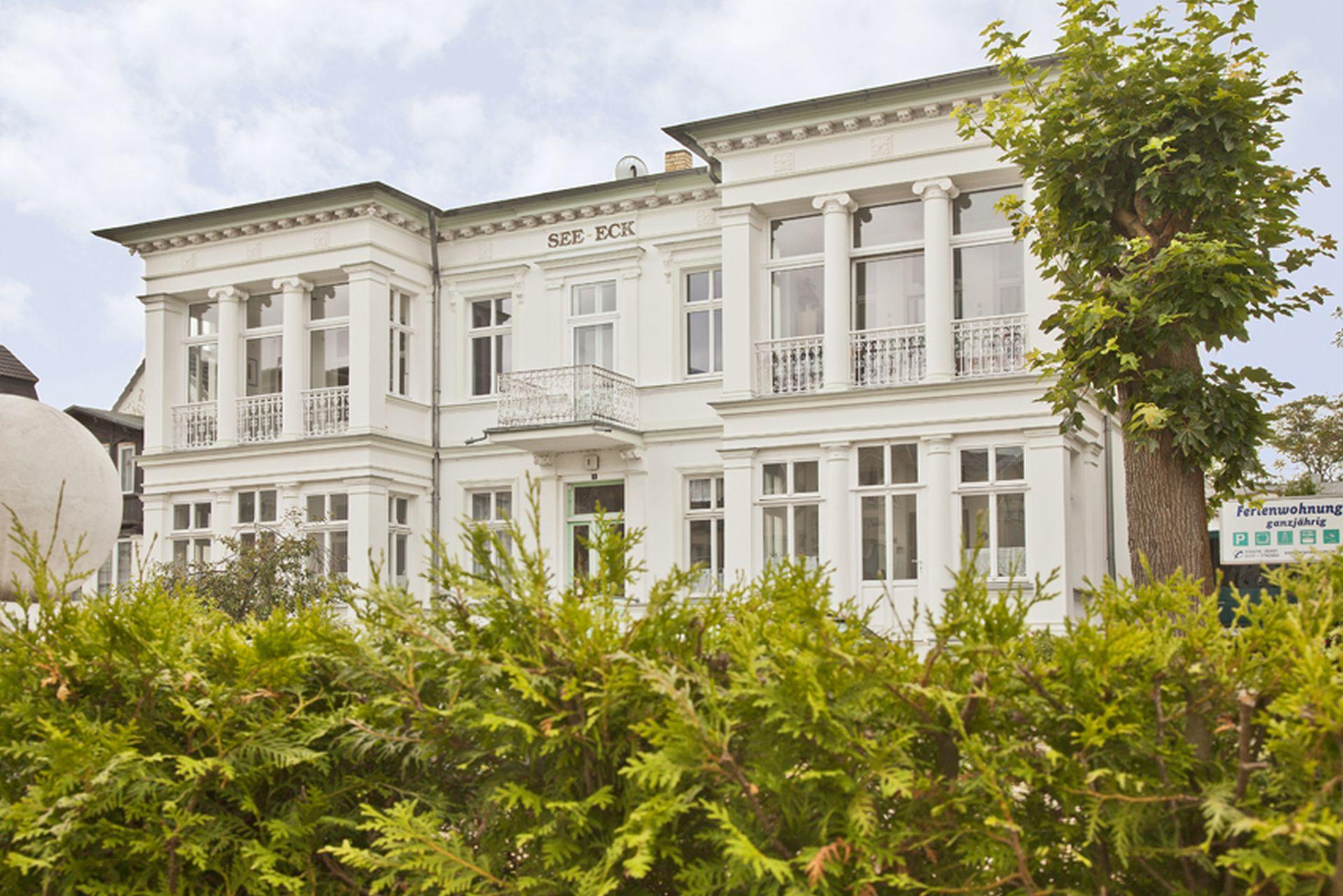 Villa See-Eck mit den Ferienwohnung / Ferienwohnungen in Ahlbeck.