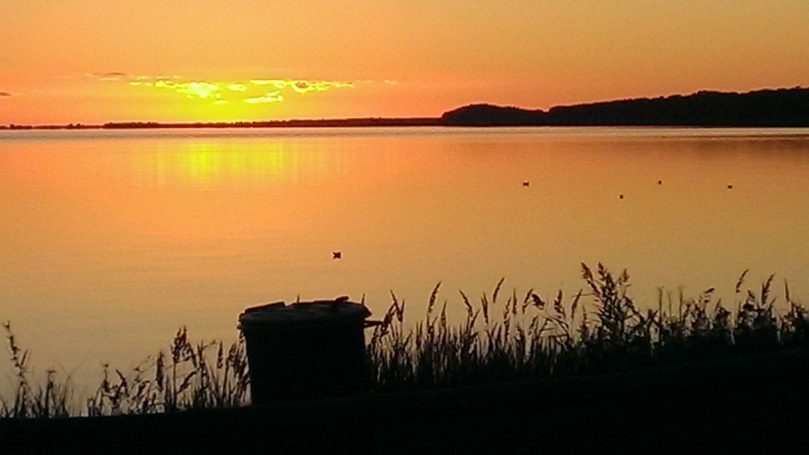 Sonnenuntergang am Schmollensee