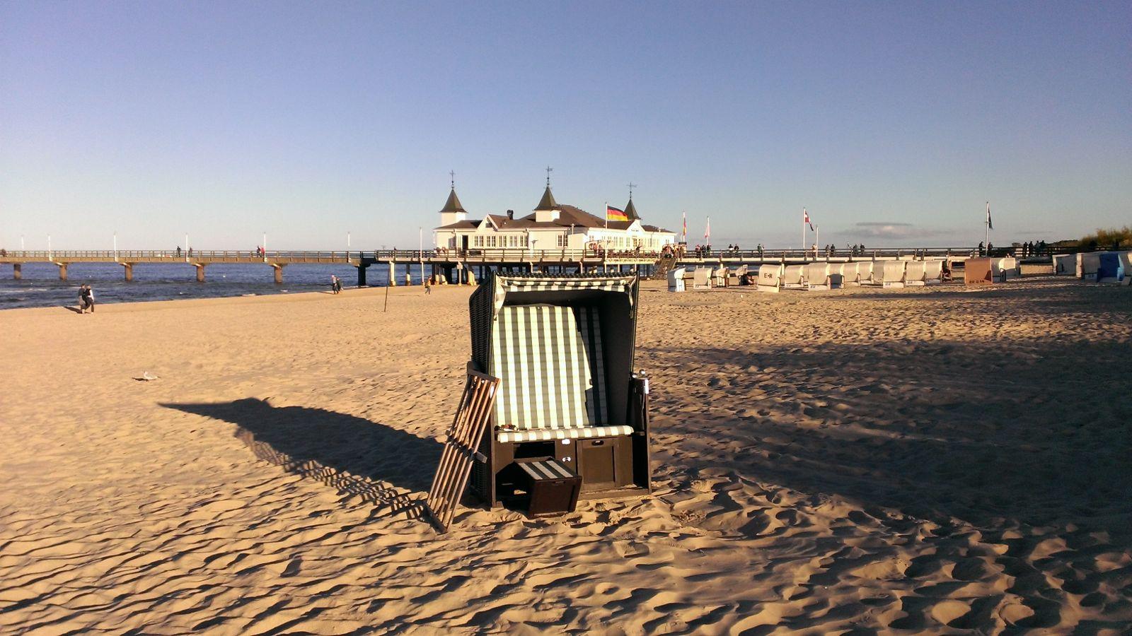 Strandkorb vor der Seebrücke Ahlbeck
